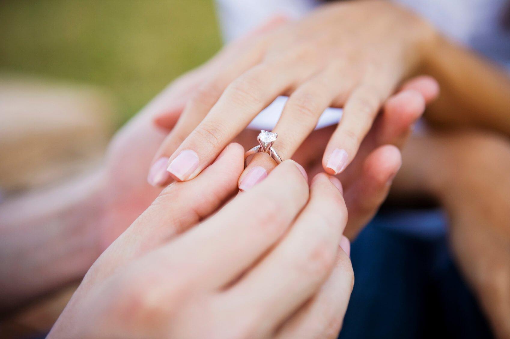 1494163178_engagementring