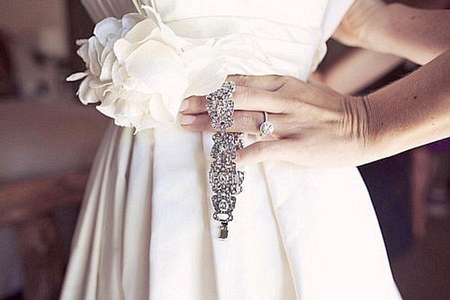 Образ невесты:Часы