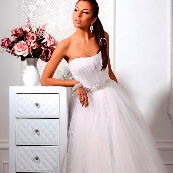 Фотосессия свадебных платьев от TM Vesna