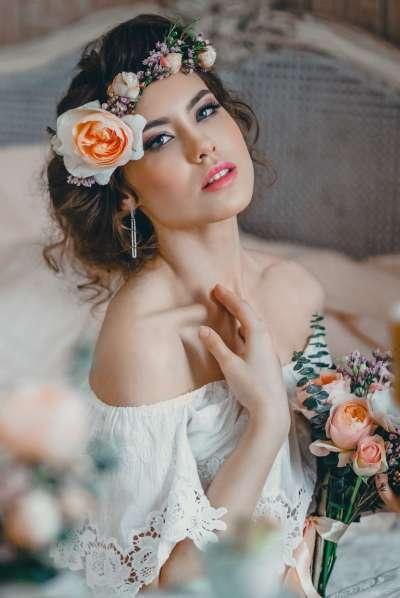Изысканная небрежность: свадебные прически в стиле бохо