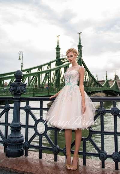 Чем отличается коктейльное платье от вечернего?