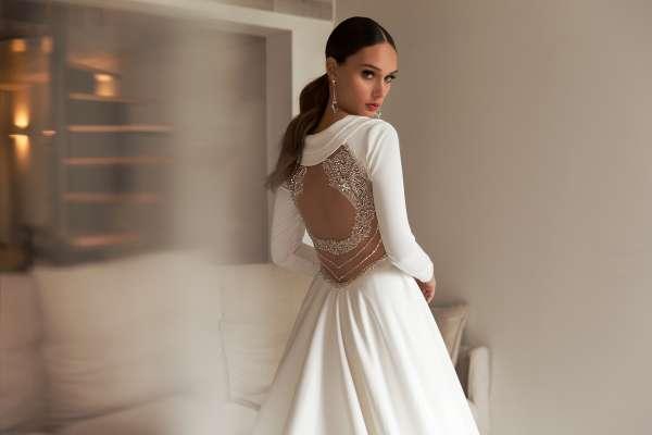 Свадебное платье в королевском стиле