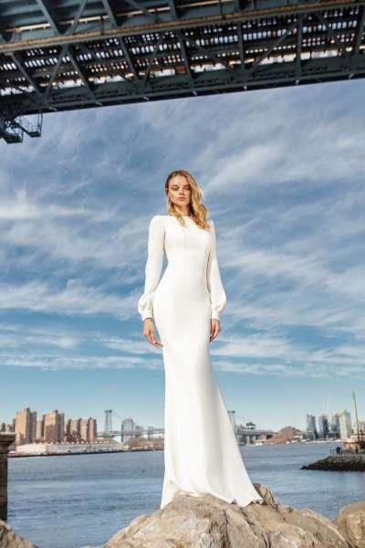 Нежность и изящество: закрытые свадебные платья