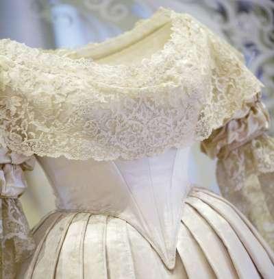 """Музей """"Виктории и Альберта"""" показал миру историю свадебного платья"""
