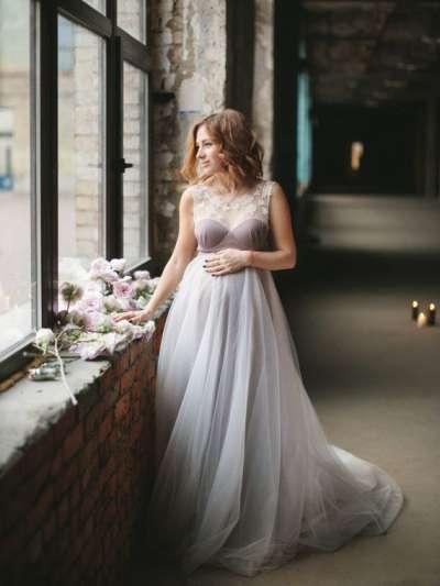 На какие свадебные платья обратить внимание беременной невесте?