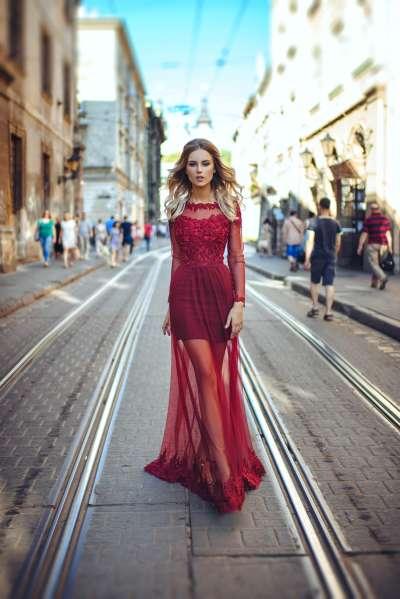Платье для подружки невесты: Бургунди