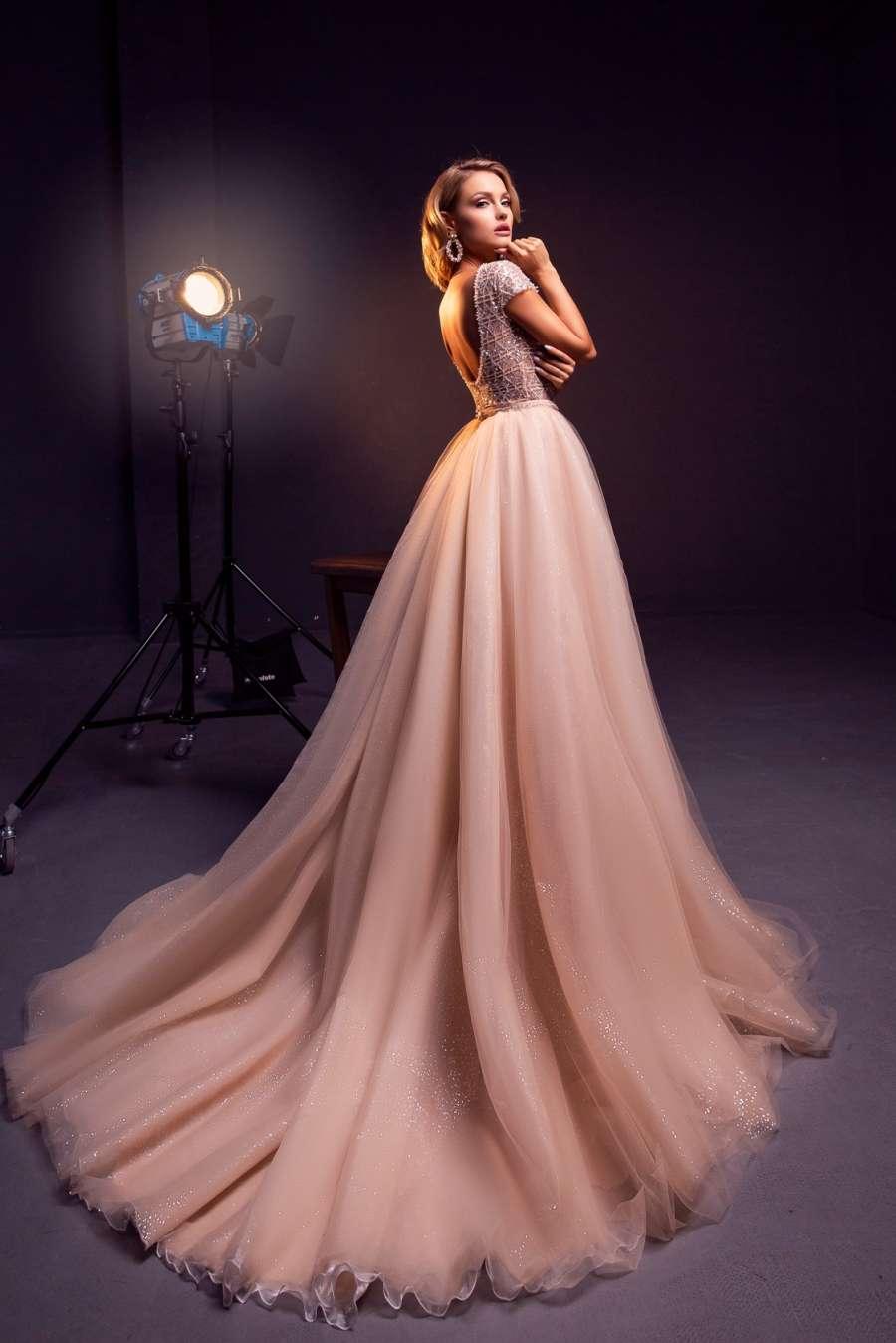 вечернее платье Lotus
