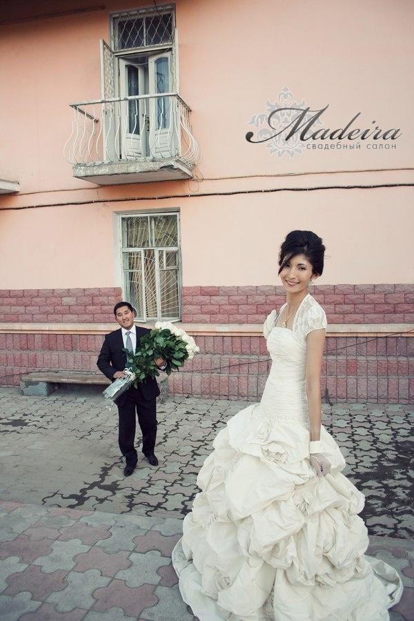 Невеста Адас и Акан
