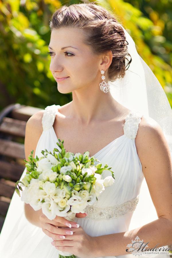 Свадебный букет к платью в стиле ампир